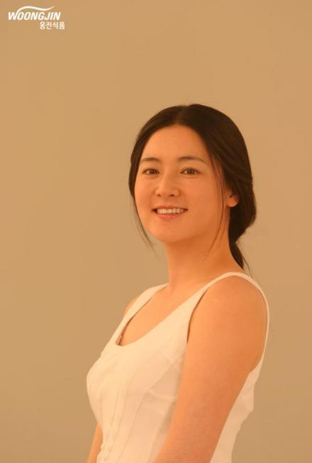 イ・ヨンエ画像201201025a.jpg